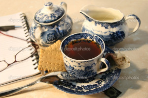 depositphotos_3300129-Cup-of-english-breakfast-tea-with-cookies